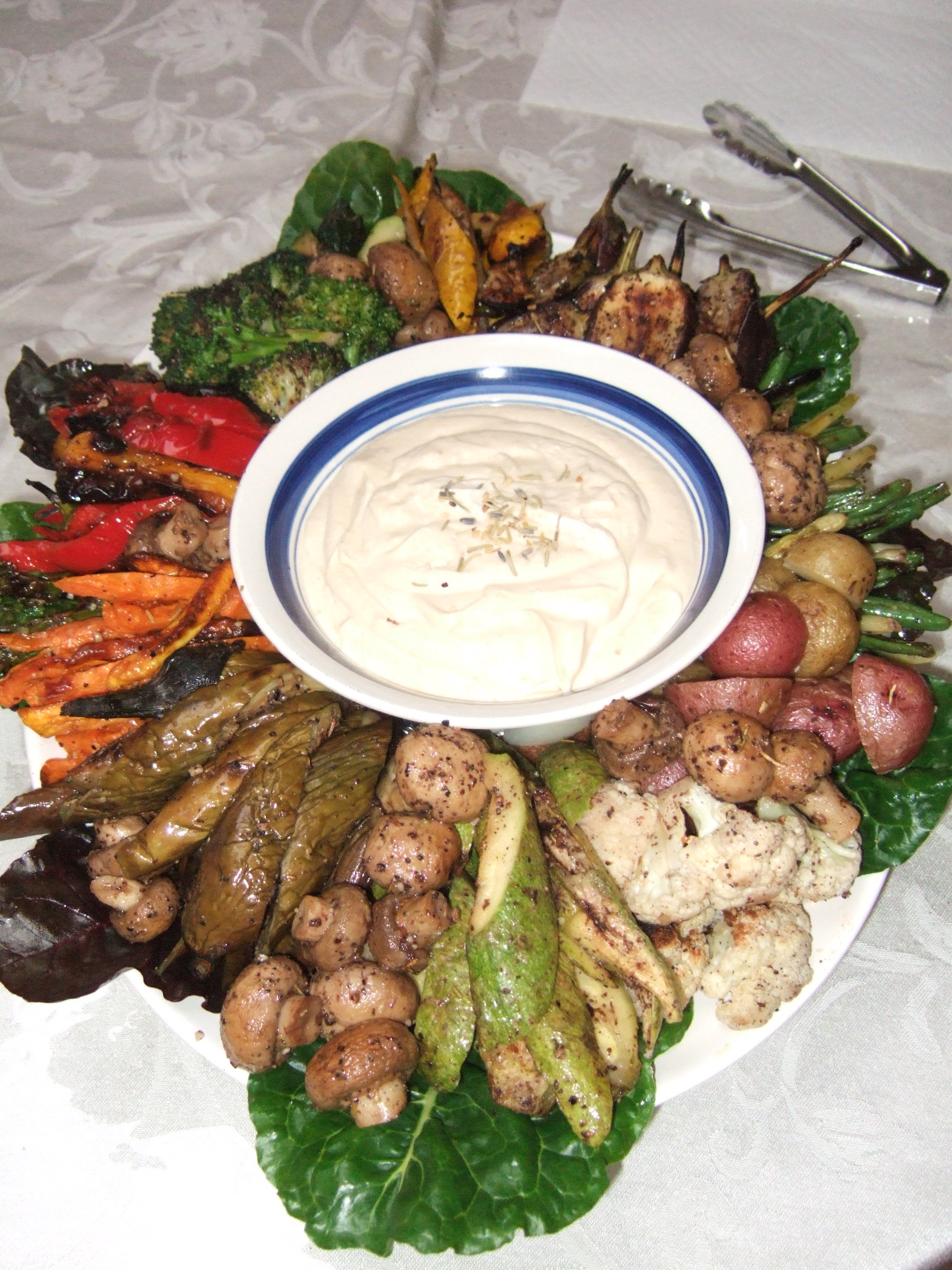 Mediterranean Grilled Vegetable Platters with Garlic Aioli for 20, 40 ...